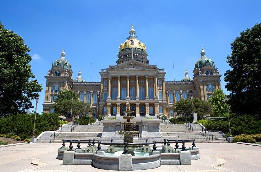 Iowa passes preemptive sick leave and minimum wage law